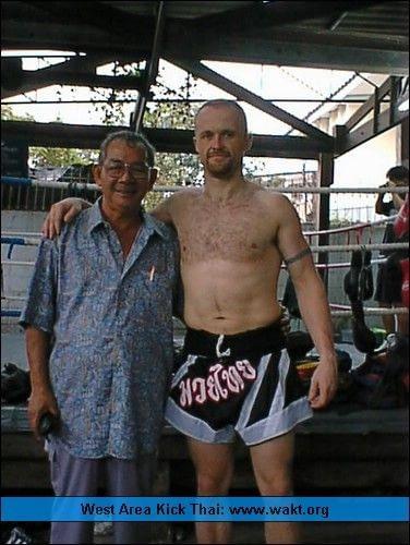 Mr Al with Grandmaster Chani Pongsupha, Sasiprapa gym, Bangkok 2002